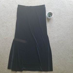 Trendy vintage deep black velvet large maxi skirt